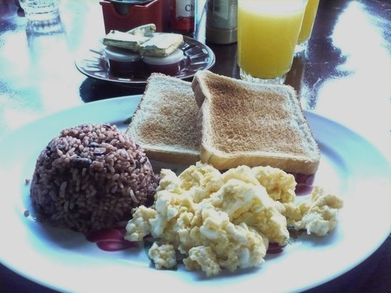 Royal Chateau Hotel: NICA breakfast