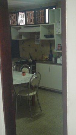 Brazuka Hostel: kitchen