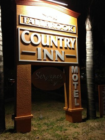 "Fallbrook Country Inn : Why isn't it called a ""motel"""
