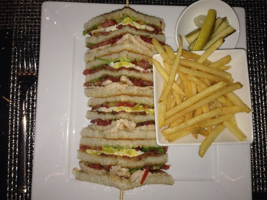 The Qube: Delicious and well presented Traditional Club Sandwich. Craved for it and through enjoyed it.
