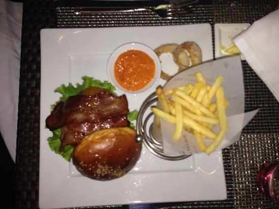 The Qube: Angus Beef Burger. Probably the best in Delhi