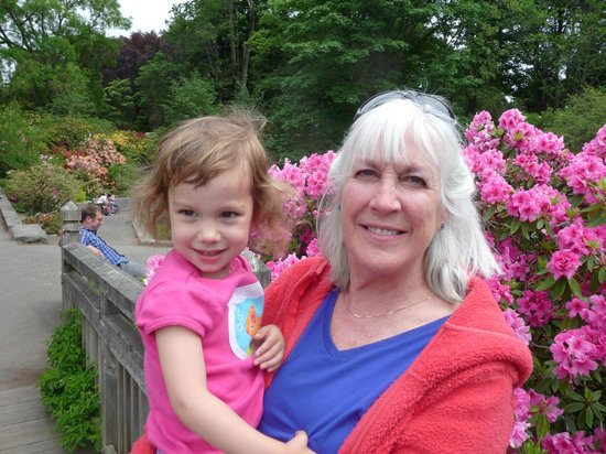 Everett Street Guesthouse: Liz with granddaughter Marlowe