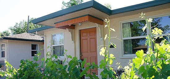 Carlin Country Cottages : Enjoy Calistoga - cottage style!