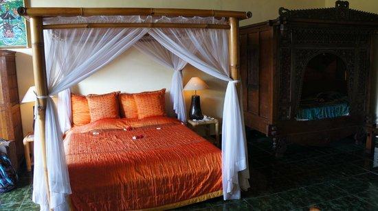 Tanah Merah Art Resort: Очень хорошая и удобная кровать