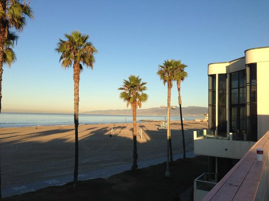 Venice On The Beach Hotel: looking north from upper deck