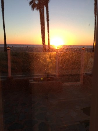 Venice On The Beach Hotel: sunset, looking out of room window