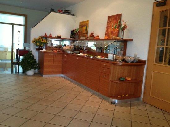Apartments & Hotel Kurpfalzhof : Breakfast buffet