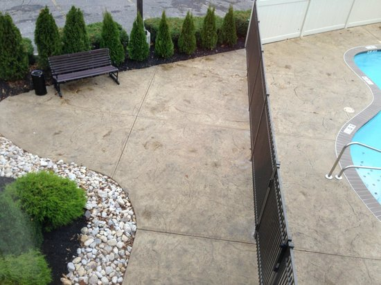 Quality Inn & Suites NJ State Capital Area: New Outdoor Breakfast Area for Summer