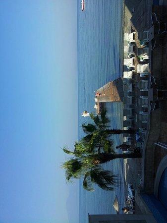 Coastlight Hotel: вид из ресторана