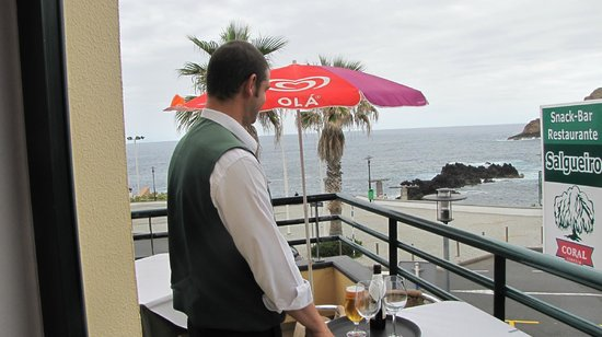 Daniel Madeira Taxis : Lunch on the balcony