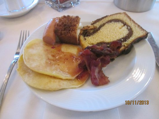 Dorint Seehotel & Resort Bitburg/Sudeifel : bon petit déjeuner