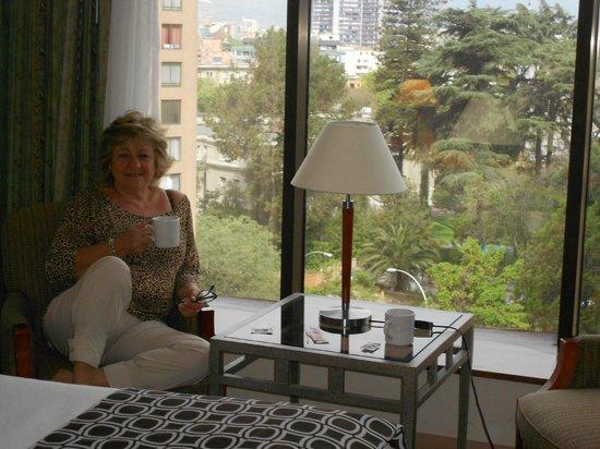 Crowne Plaza Hotel Santiago : Tomando el café de cortesía, una delicadeza