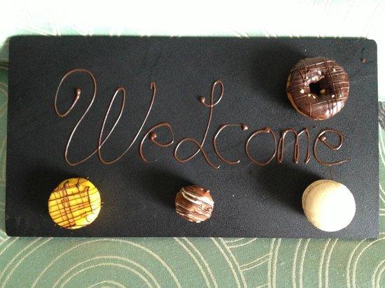 Inchydoney Island Lodge & Spa : welcome sweeties on arrival