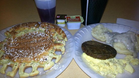 Fairfield Inn & Suites Nashville Smyrna : Sample breakfast