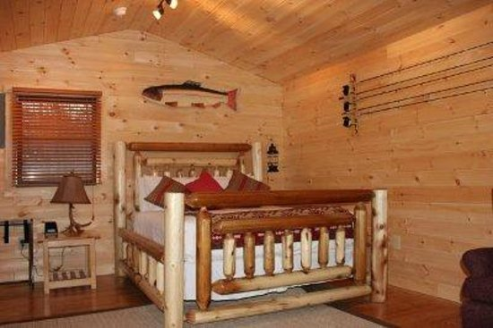 The Dana Place at Pinkham Notch : Queen lodge bed in our private 2 person cabin w/ fp, kitchenette and bath.