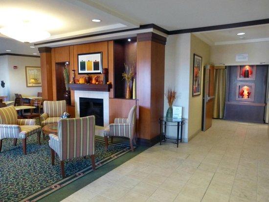 Fairfield Inn & Suites Nashville Smyrna: nain lobby