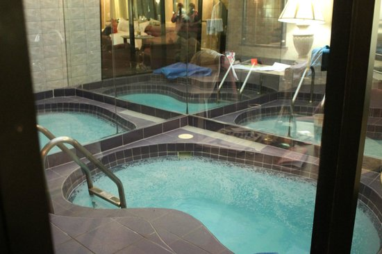 Paradise Stream Resort: in room pool. deep enough to stand perfect size