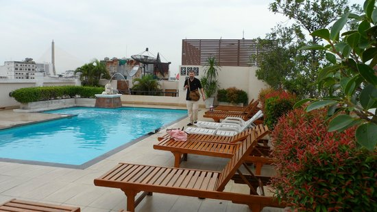 Rikka Inn: preciosa piscina en la azotea