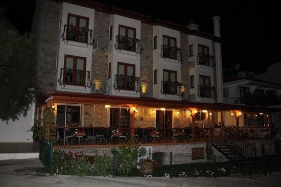 Konak Tuncel Efe: sahil cepesi restorant