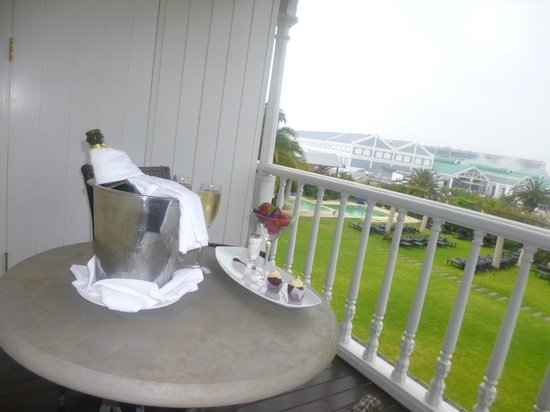 Dock House Boutique Hotel: the view