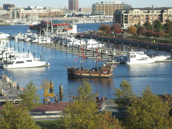Royal Sonesta Harbor Court Baltimore : View from our 6th floor room