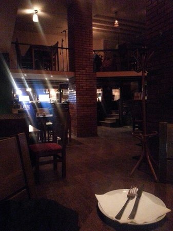 Cafe Restaurant Dion: Good ambiance