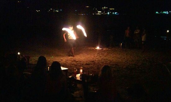 Central Cottage Resort: Fire show at night