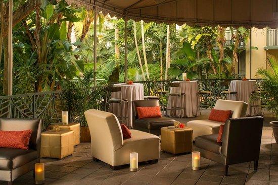DoubleTree by Hilton Hotel and Executive Meeting Center Palm Beach Gardens : Outside Veranda