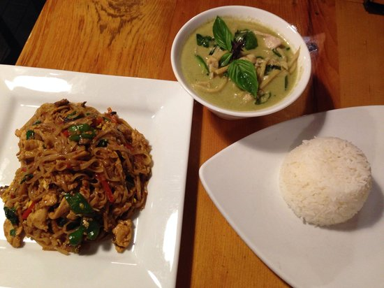 Khao San Road : Pad Kee Mao & Green Curry with chicken.  Curry comes with a scoop of rice.  You will probably ne