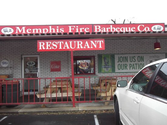 Memphis Fire Barbeque Company : nothing fancy to see but great comfort food