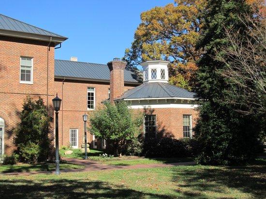 University of North Carolina: Another Hall