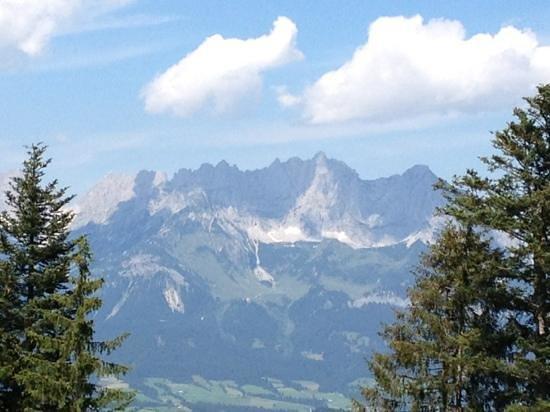 Wirtshaus zum Rehkitz: Der Wilde Kaiser - Blick vom Rehkitz