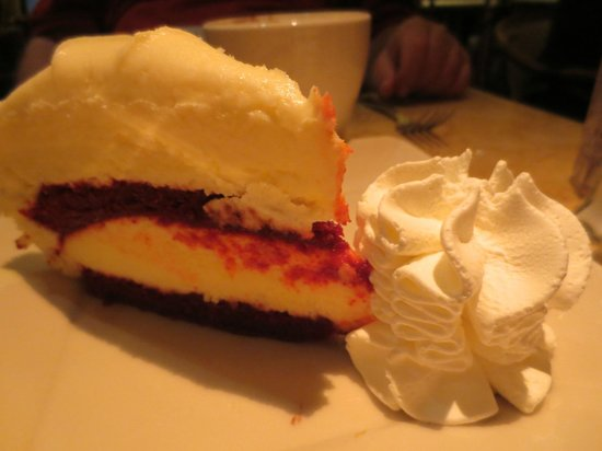 The Cheesecake Factory : ULTIMATE RED VELVET CAKE CHEESECAKE