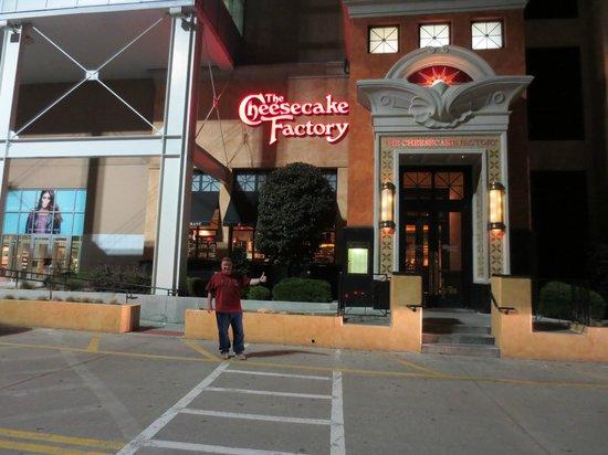 The Cheesecake Factory : CF Nyack NY