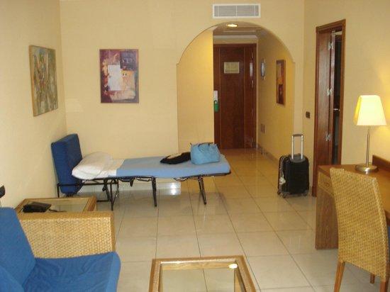 ClubHotel Riu Buena Vista : salon chambre appoint