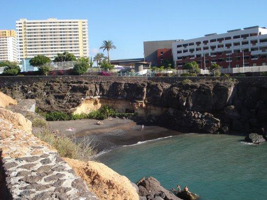 ClubHotel Riu Buena Vista : piscine en bas de l'hotel