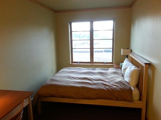 Shambhala Mountain Center: Basic dorm room