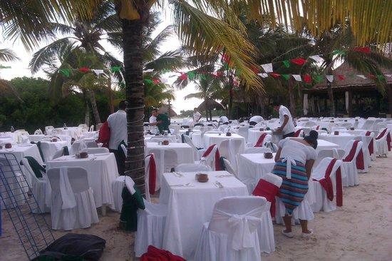 Grand Palladium White Sand Resort & Spa: Chiringuito