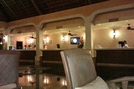 Grand Palladium White Sand Resort & Spa: Lobby