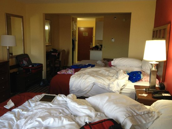 Holiday Inn Express Hotel & Suites Murray : Full view of