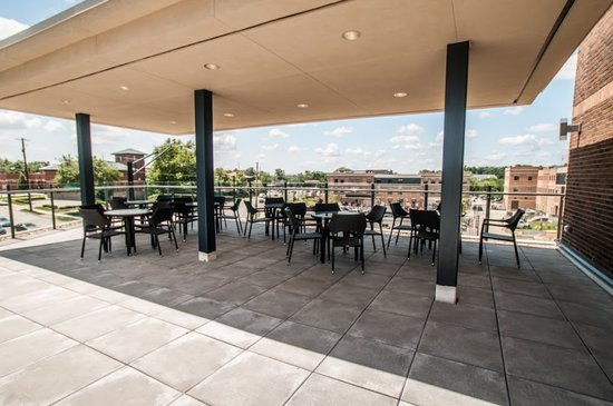 Kent State University Hotel & Conference Center: Terrace
