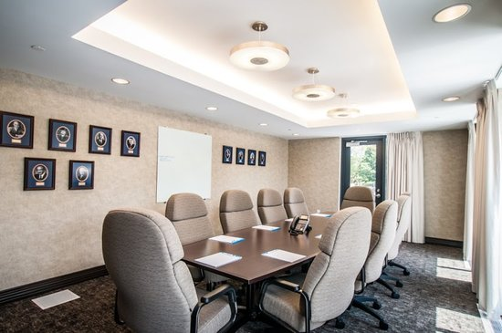 Kent State University Hotel & Conference Center: Presidential Board Room