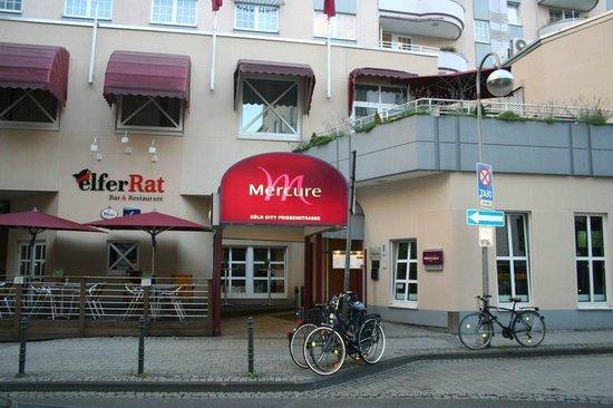 Mercure Hotel Koeln City Friesenstrasse: Main Entrance