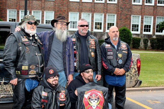 West Monroe, LA: Uncle Si with Patriot riders