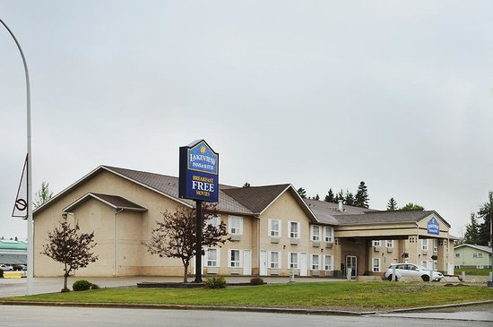 Lakeview Inn and Suites Edson East: Exterior
