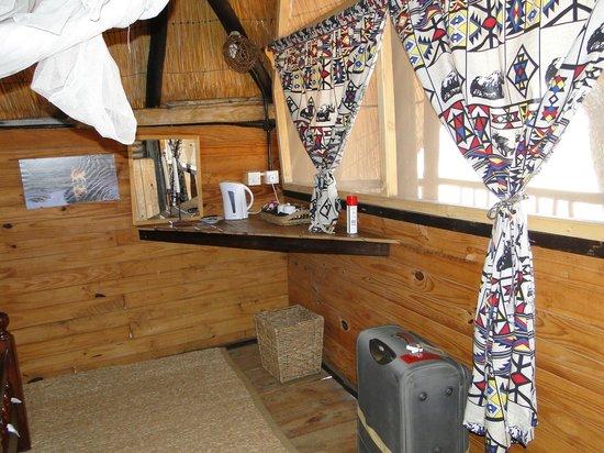 Miombo Safari Camp: The tea making facilities in the tree house