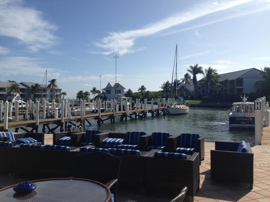 South Seas Island Resort: Sideview from Harbourside Restraurant