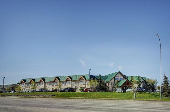 Lakeview Inns & Suites - Okotoks: Exterior