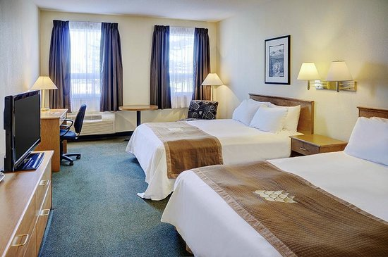 Lakeview Inns & Suites - Okotoks: Okotoks - Two Queen Bedded Guestroom - Main Floor (2QQNSDN)