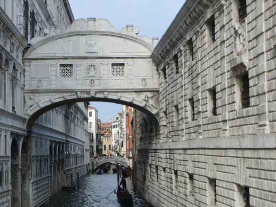 Hotel Danieli, A Luxury Collection Hotel : Bridge of Sighs